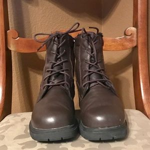 EUC! PROPET LEATHER BROWN BOOTS